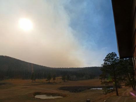 http://rivercrossinginc.tripod.com/firepictures/estes_park_smoke.jpg