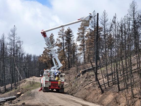 https://rivercrossinginc.tripod.com/firepictures/utilitypole.jpg